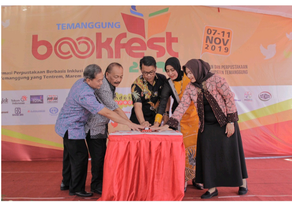 -pembukaan-temanggung-bookfest-2019-berjalan-lancar