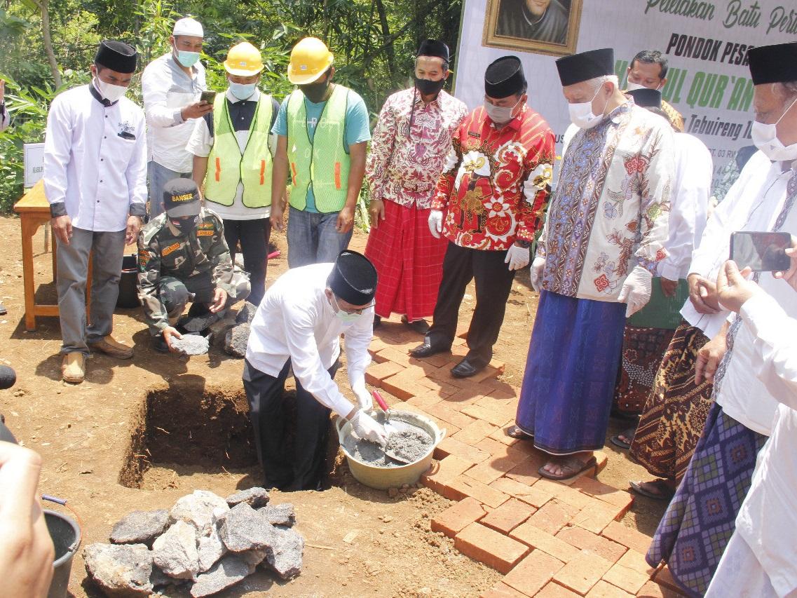 Peletakan Batu Pertama Pembangunan Ponpes Al Musthofa Cabang Tebuireng 16